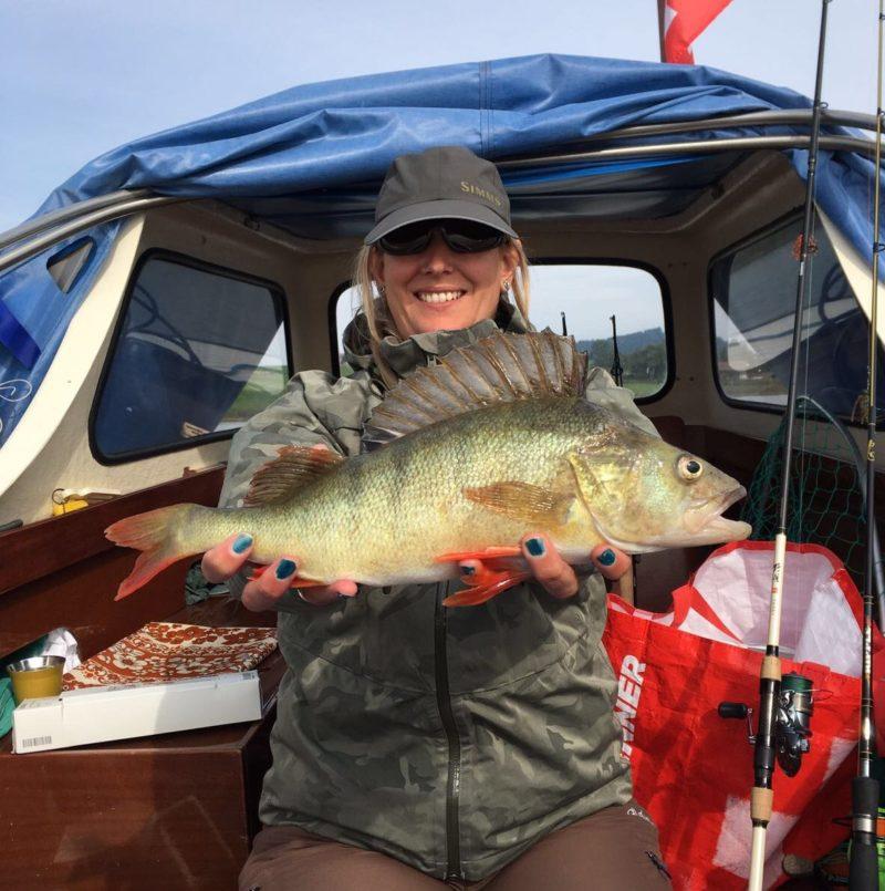 Barschangeln, Eglifischen, Raubfischangeln, Alpenfischer, Anglerinnen