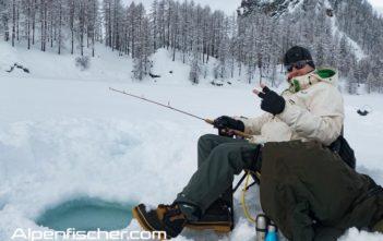 Eisfischen, Silsersee, Alpenfischer