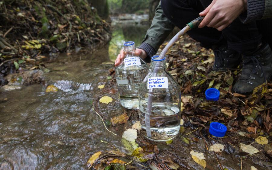 Gifte im Bach, Pestizide Bauern, Gewässergifte